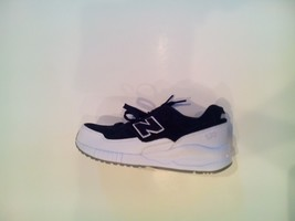 26 New Balance Youth Size 6 Big Kid Suede 530 Sneakers Black White KL530CBG - $49.00