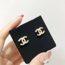 NEW AUTHENTIC CHANEL Classic Strass Crystal Pearl CC Logo Stud Earrings Gold  image 2
