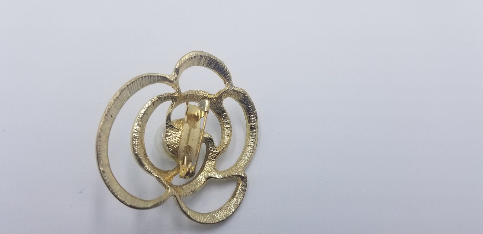 Vintage Abstract Circular Pin / Brooch W/ Multi Rhinestones & Big Middle Pearl