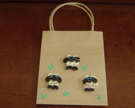 Sheep Gift Bag with hHandcrafted Paper Quilled Sheep New - $9.99