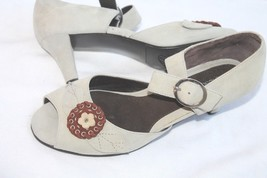 Aerosoles Sweet Desscurt Suede Peep Toe Sandal with Flower vtg look - $18.81