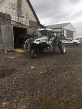 Spra-Coupe 4440 Sprayer For Sale in Bloomington, Illinois 61705 image 3