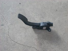 2013 FORD FIESTA GAS PEDAL  image 2