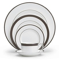 Vera Wang Wedgewood Sable Duchusse 5 Pc Place Set Made In England Bone China New - $169.75