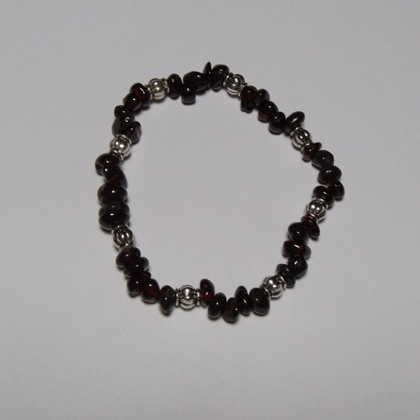 The Gem Girl Garnet Chip Bead & Antique Silver Plated Bead Stretch Bracelet