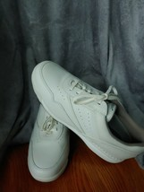 Ladies Rockport Sneakers, Walking Shoes Cream 9.5 w/ Laces - $40.49 CAD