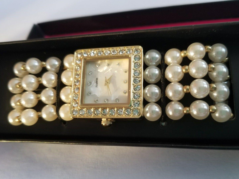 Modern Pearlesque Stretch Bracelet Watch image 6