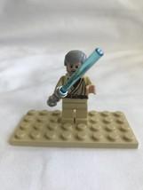 Lego Obi-Wan Kenobi Minifigure Star Wars Old Gray Hair Light Saber - $9.82