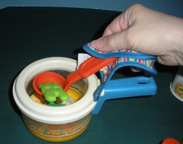 Vintage Fisher Price #2111 Simmering Saucepan Complete/ EXC+++ (S) image 6
