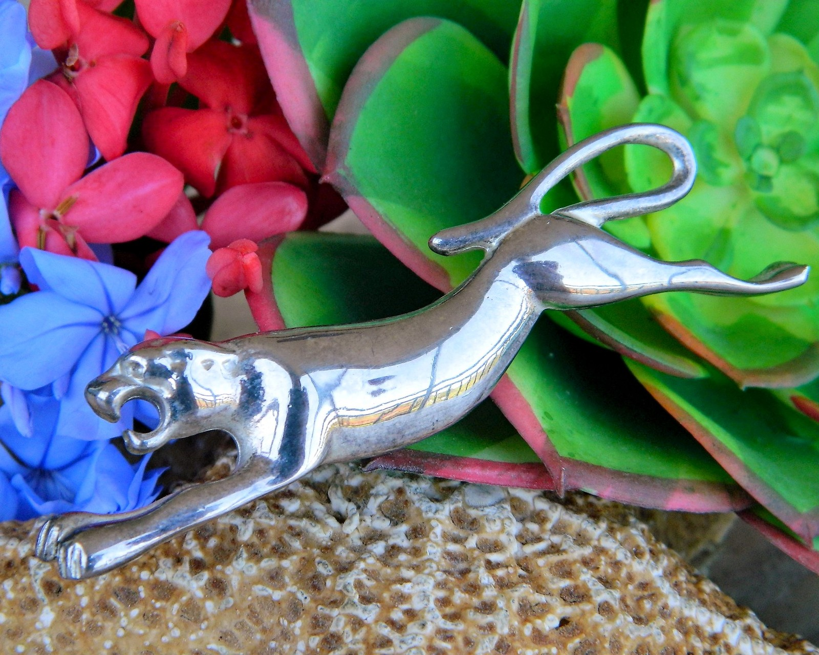 Vintage Giovanni Leaping Panther Cougar Jaguar Wild Cat Brooch Pin