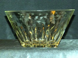 Etched Glass Berry Salad Bowl AA19-LD11939 Vintage