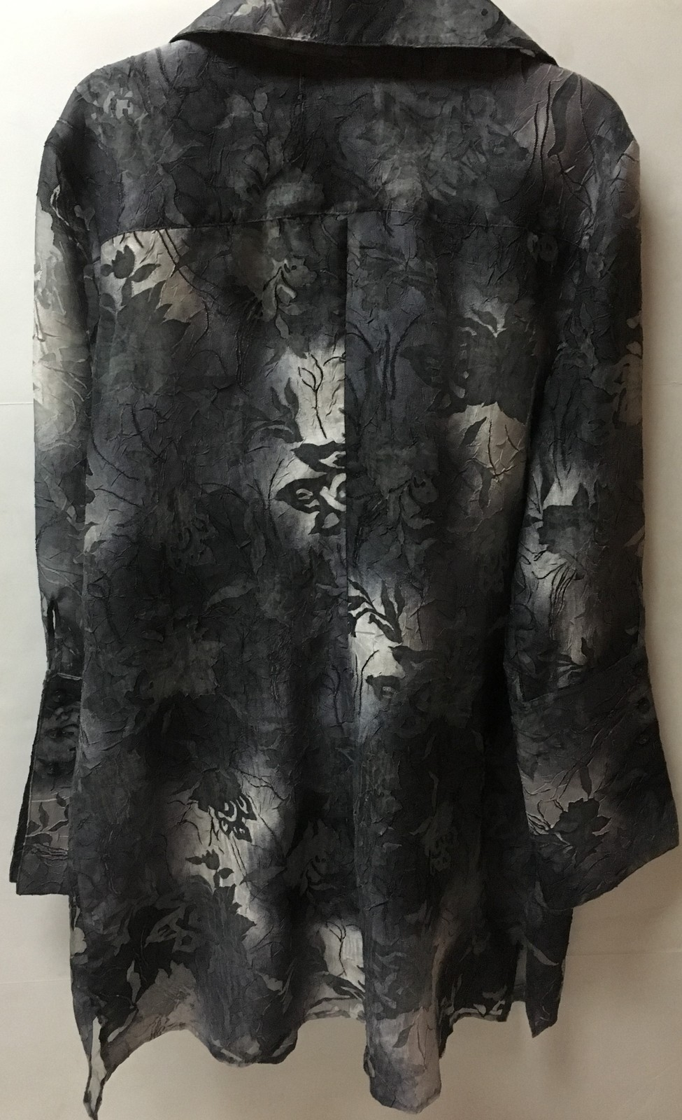 Vanessa Riley Blouse Top Sheer Tunic Women's L Floral Grays & Blue NWT