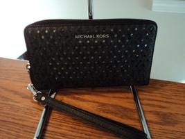 Michael Kors Large Flat Multifunctin Phone Case Wallet Black Wristlet NWT - $89.09