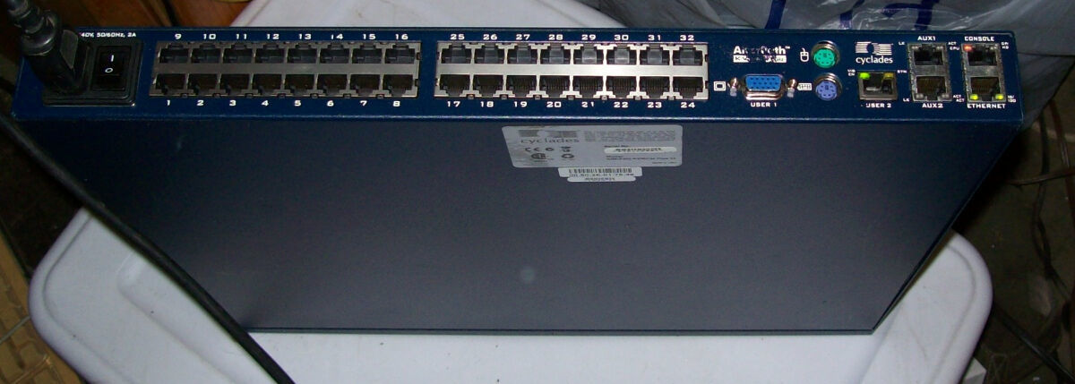 Cyclades 4 users 32-port KVM over IP switch Alterpath 3204 KVM/netPlus