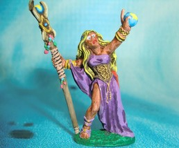 Dungeons & Dragons Miniature  Sarah the Seeress Mage Wizard Hand Painted !! s113 - $65.00