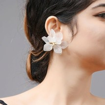 Hyperbole Style White Flower Earrings Women Drop Earrings Jewelry New Fa... - $2.23