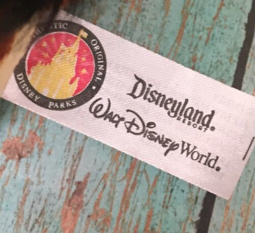 Disneyland Giraffe Wrapped In Leaf Blanket Stuffed Animal Plush Disney Baby
