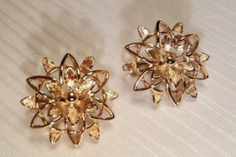 Vintage Sarah Conventry Clip Earrings Gold 1950's - $5.34