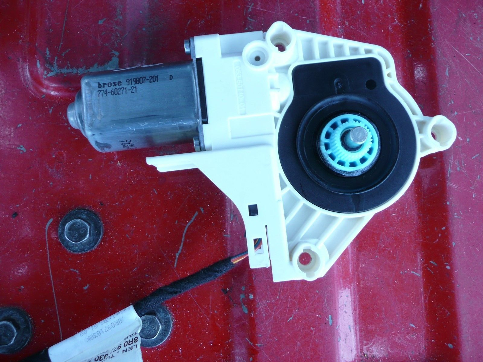 Primary image for 2009 10 11 12 13 14 AUDI A4 Q5 RIGHT FRONT WINDOW MOTOR OEM