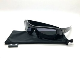 New Oakley Sunglasses Gascan Polished Black Gray Lens 60mm 03-471 - $77.91
