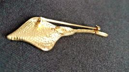 NAPIER TRUMPET LILY GOLDTONE BROOCH with RHINESTONES -Signed Napier image 3