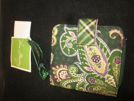 Vera Bradley Retired Chelsea Green Mini Zip Wallet Brand New with Tags - $29.99