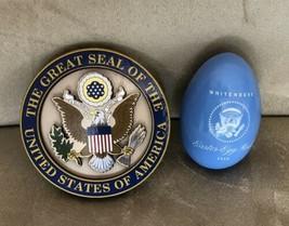 TRUMP WHITE HOUSE 2018 EASTER BLUE EGG Signature + EAGLE SEAL MAGNET = 2 pc - $15.24