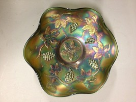 Vintage Fenton Green Iridescent Carnival Glass Grape Cable Bowl (ddi30) - $93.50