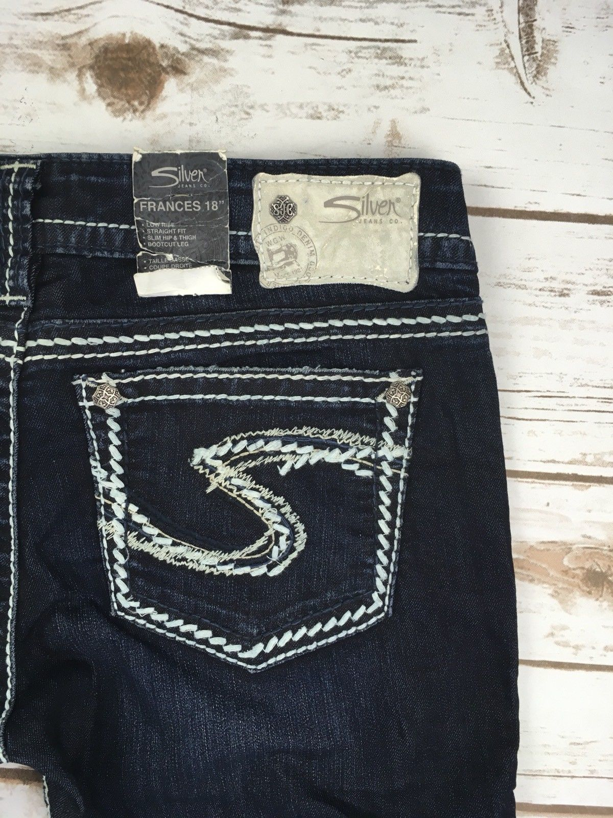 SILVER JEANS SHORTS Buckle Low Rise Frances Dark Jean Denim Shorts 28
