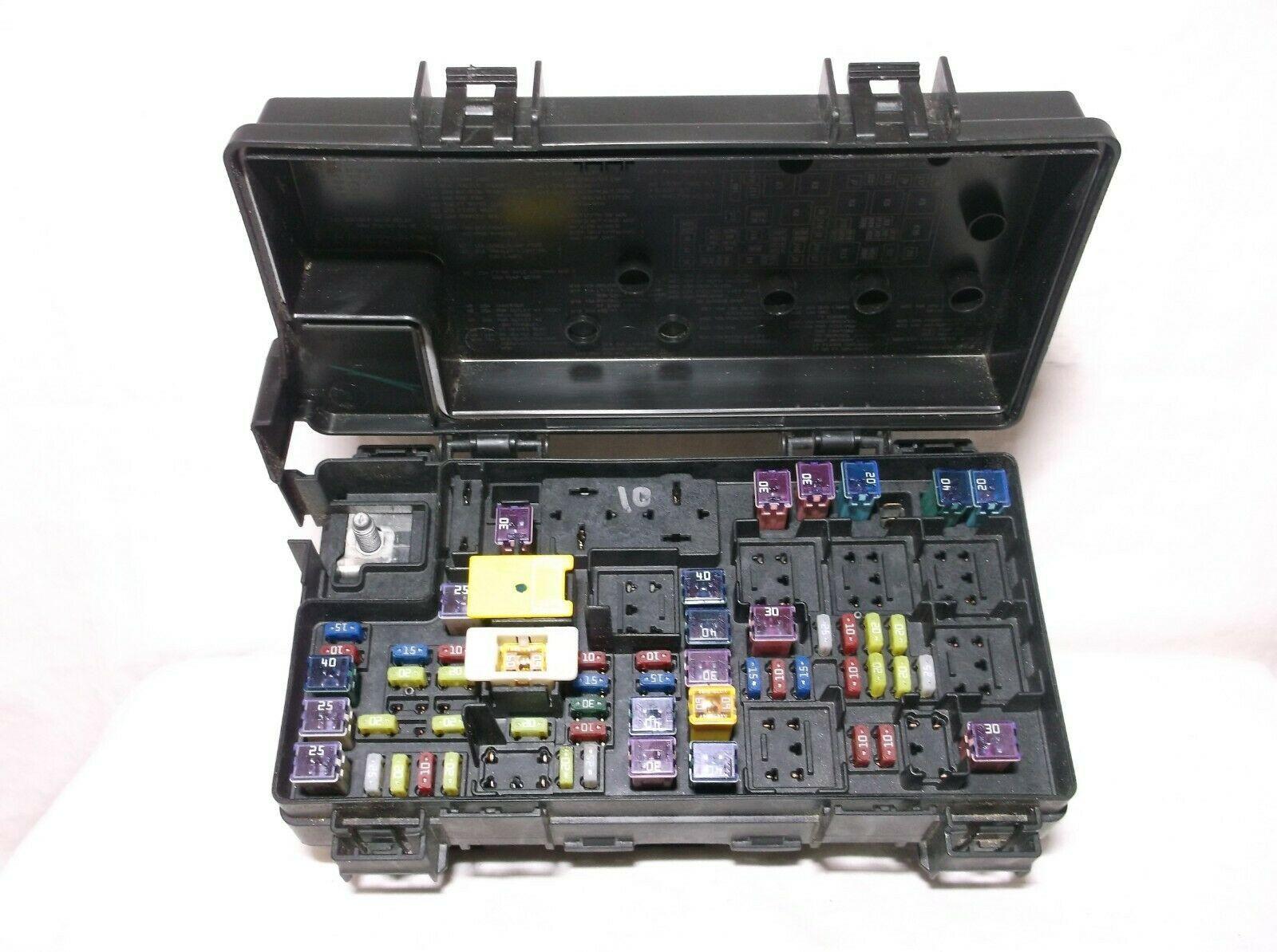 15-16 Caravan  Town U0026country   Relay  Box Tipm   Multifunction Power Distribution Box