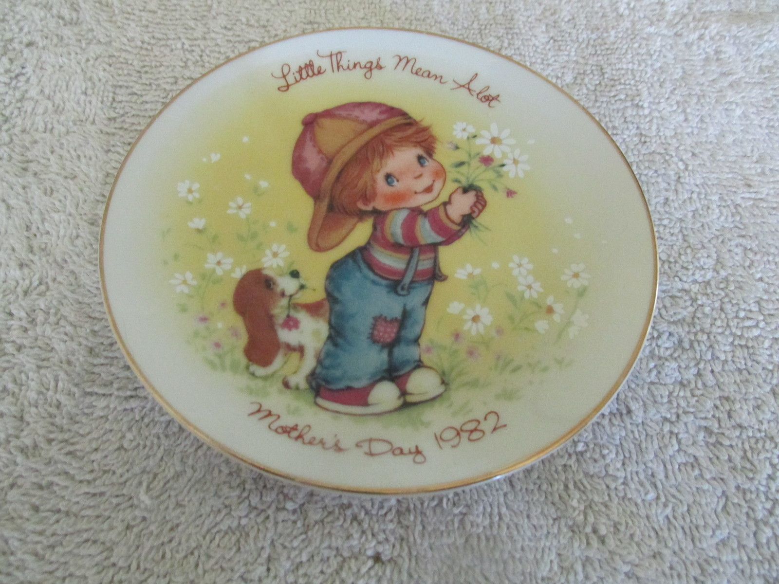 Avon 1982 Mothers Day Plate Little Things Mean Alot