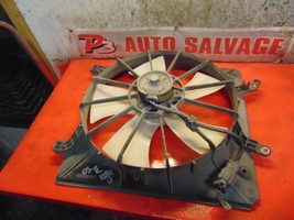 99 00 01 02 03 Acura TL oem 3.2 V6 left side radiator cooling fan assembly - $19.79