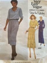 Vogue 2065 Diane Von Furstenberg Scoop Neck Round Collar Blouson Dress Size 8 UC - $10.00