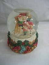 """Musical Christmas Snowglobe Plays """"Santa Claus Is Coming To Town"""" Snowman - $8.56"""