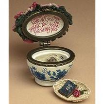 "Boyds Treasure Box ""Bearlove's Flower Bouquet"" #82530- NIB- 2004- Retired - $24.99"