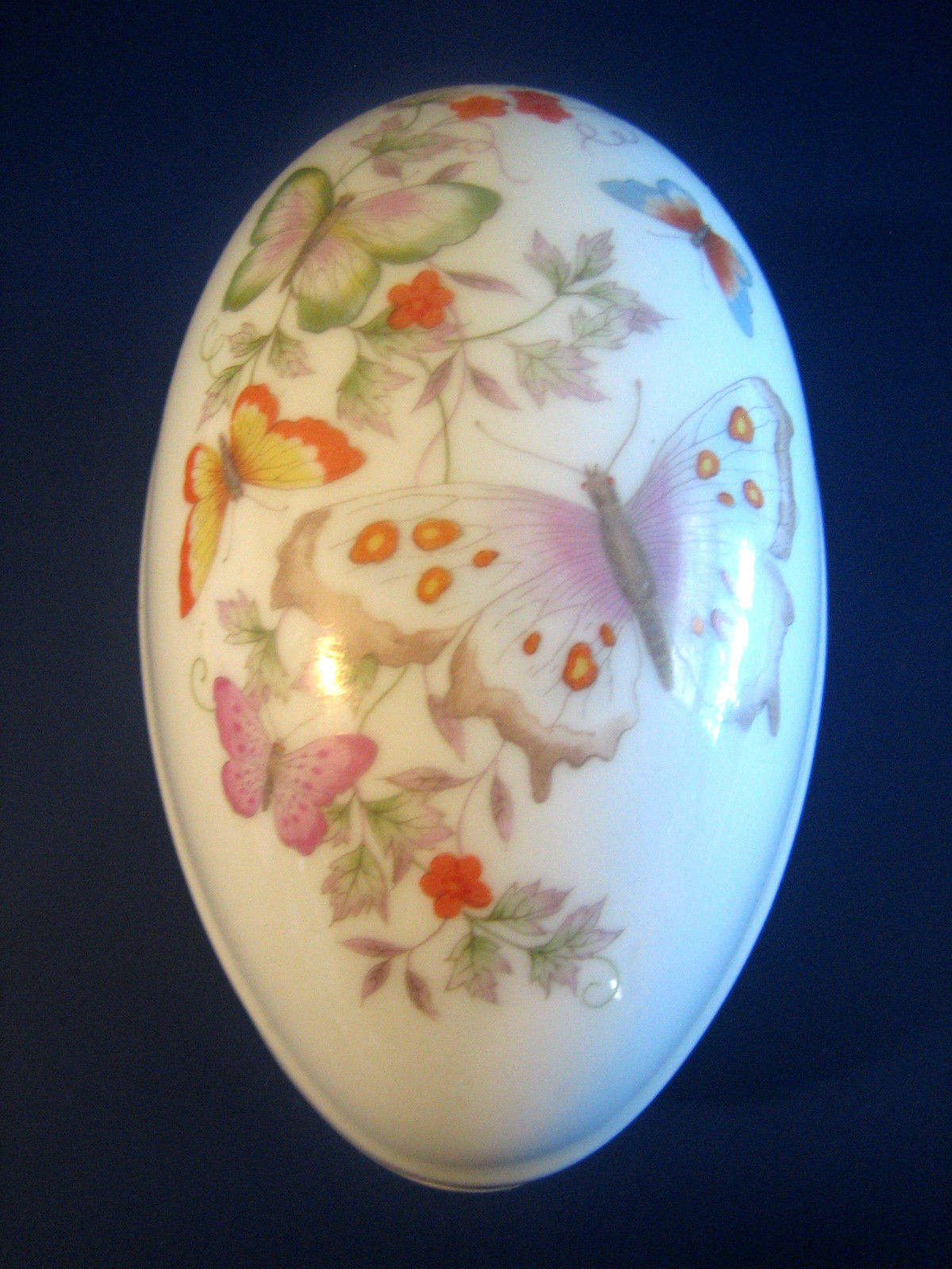 Vintage Avon 1974 Egg Trinket Jewelry Box Butterflies 22K Gold Fine Porcelain