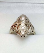 An antique 1/2ct total weight diamond platinum  ring - £650.05 GBP