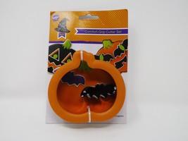 Wilton Comfort-Grip Cutter Set Cookie Cutter - New - Pumpkin & Bat - $8.54