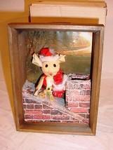 VTG 1970S  3D CORN HUSK SANTA MOUSE CHRISTMAS SHADOW BOX DIORAMA DECORATION - $25.73