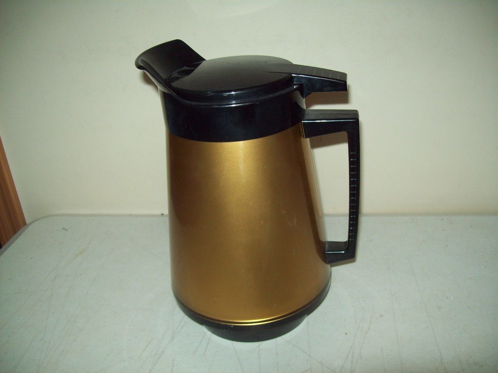 Thermo-Serv double wall insulated Pitcher American made West Bend 2 quart