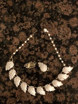 Lovely Vintage LISNER Gold Tone White Leaf Necklace and Clip Earrings Je... - $38.34