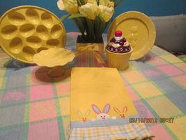 Easter Egg Platter cupcake Dessert Cup Pedestal Plate Silk Tulip Bundle - $1.191,56 MXN