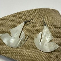 80s vintage silver tone mother of pearl shell boat earrings READ - $14.96