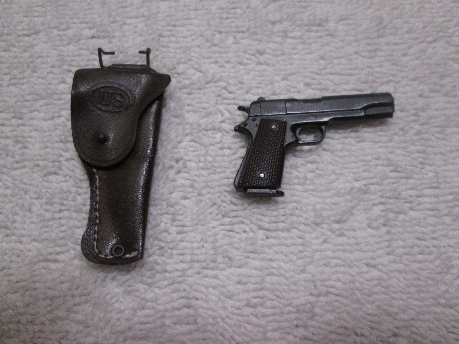 Captain America Star Spangled Pistol, Holster, Shovel MMS 205 - Hot Toys