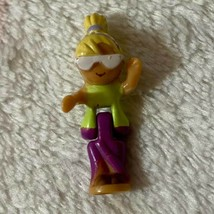 Vintage Polly Pocket Bluebird 1995 Pool Party On The Go Polly Doll - $14.99