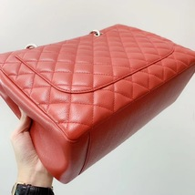 AUTH CHANEL RED QUILTED CAVIAR GST GRAND SHOPPING TOTE BAG  image 8