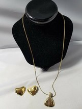Monet Vintage Signed Jewelry Set Gold Tone Necklace Pendant & Clip On Earrings - $46.49