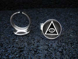 Silver Plated Adjustable Ring Illuminati All Seeing Eye Pyramid - $11.39