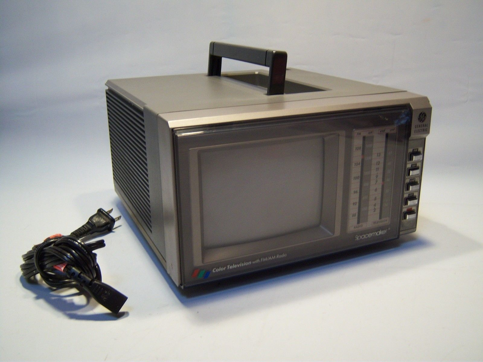 Vintage General Electric Space Maker Color Television With AM/FM Radio