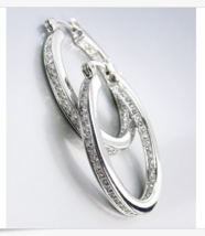 CLASSIC 18kt White Gold Plated Inside Outside CZ Crystals OVAL Hoop Earr... - $606,25 MXN